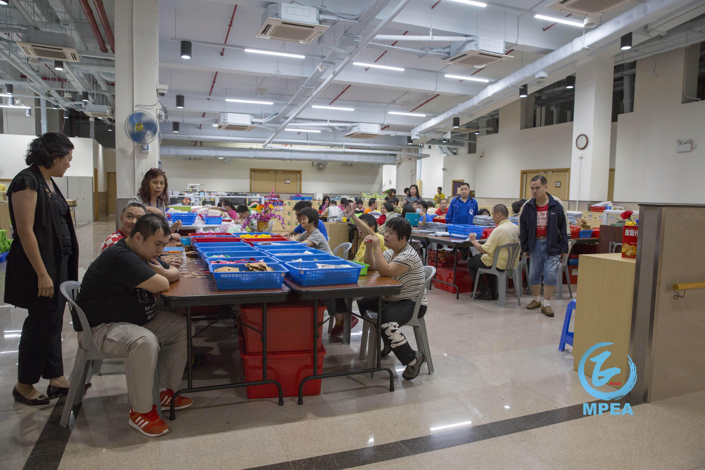 現時約有150名學員於工場工作